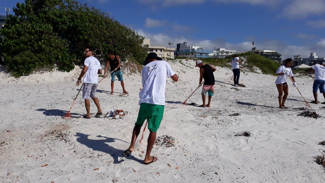 Ação de Limpeza_Praia do Forte (6)